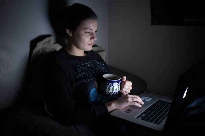 Thường xuyên thức khuya gây ảnh hưởng tới sức khỏe, làm tăng nguy cơ mắc bệnh
