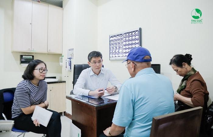 Nếu mắc ung thư, khách hàng được tư vấn điều trị với TS. BS Zee Ying Kiat - chuyên gia ung bướu hàng đầu Singapore