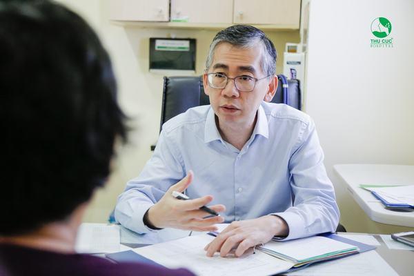 """Tin tưởng vào phác đồ điều trị của bác sĩ sẽ giúp người bệnh """"thoát án tử"""" ung thư"""