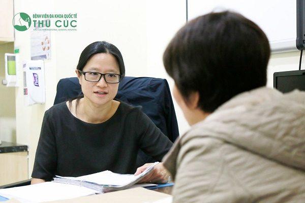 TS.BS See Hui Ti – bác sĩ người Singapore nổi tiếng trong điều trị các bệnh ung thư vú và phụ khoa ở nữ giới, hiện nay đang hợp tác điều trị tại Bệnh viện Thu Cúc.
