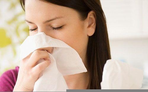 Nhức đầu, ngạt mũi kéo dài có thể cảnh báo ung thư vòm họng