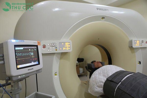 Tầm soát ung thư là thực hiện các xét nghiệm đặc biệt nhằm tìm kiếm sự hiện diện của ung thư khi các triệu chứng chưa xuất hiện